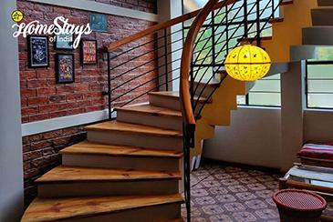 Main-Stairs_Mawroh-Homestay-Shillong