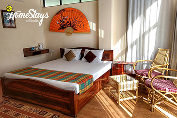 The-Pine-Room_Mawroh-Homestay-Shillong