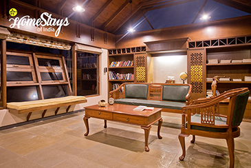 Library_Anand Homestay