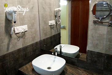 Bathroom 2_Katakeri-Homestay-Coorg