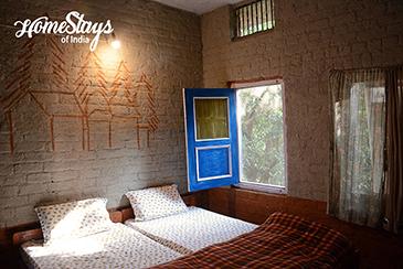 BedRoom 1_Pawalgarh Homestay