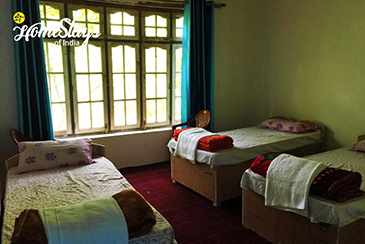 Bedroom1_Achinathang Homestay