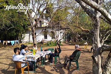 Dinning Out_Pawalgarh Homestay