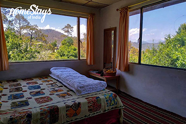 The Bedroom_Chaukori Homestay