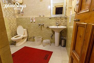 Bathroom_Suma Ropa Homestay_Kasol