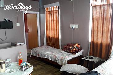 Bedroom_Khliehshnong-Homestay_Cherrapunji