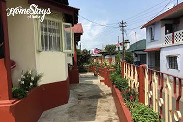 Exterior_Khliehshnong-Homestay_Cherrapunji