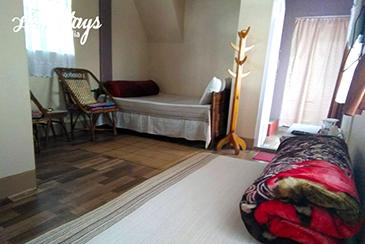 Family-Room_Khliehshnong-Homestay_Cherrapunji