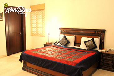 Bedroom-1_Tajganj-Homestay-Agra