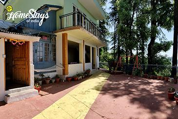 Entrance_Bakrota-Hills-Homestay_Dalhousie