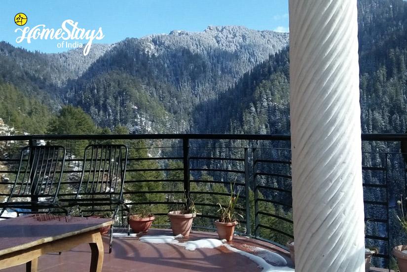 Balcony_Narkanda-Homestay