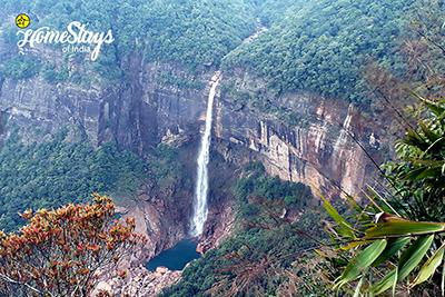 Nohkalikhai Falls_Hoi Trips-Meghalaya