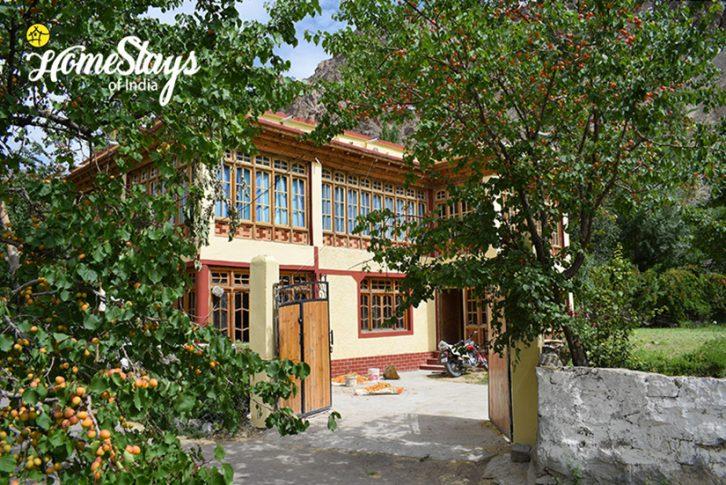 Achinathang Homestay-Ladakh