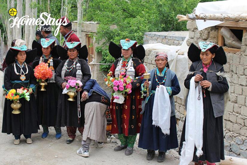 Aryans Women_Achinathang Homestay-Ladakh