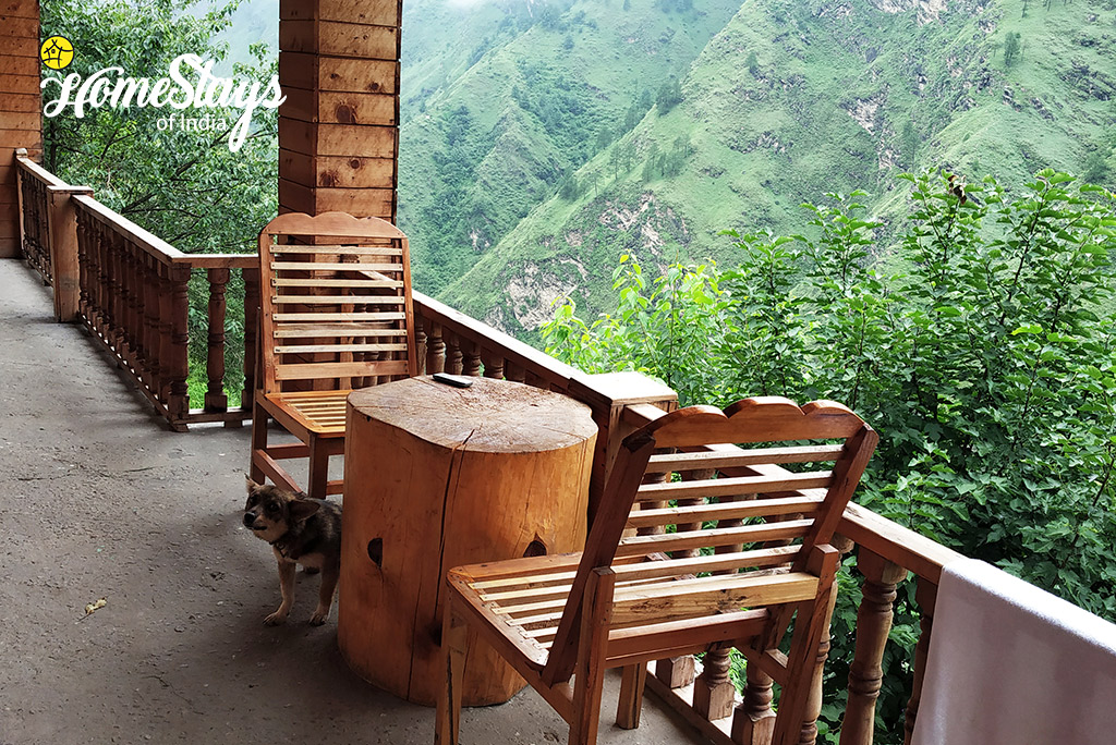 Balcony_Bandal Homestay-Tirthan