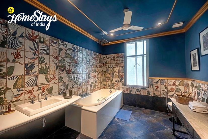 Bathroom-The Shah Suit_House of Mayurbhanj