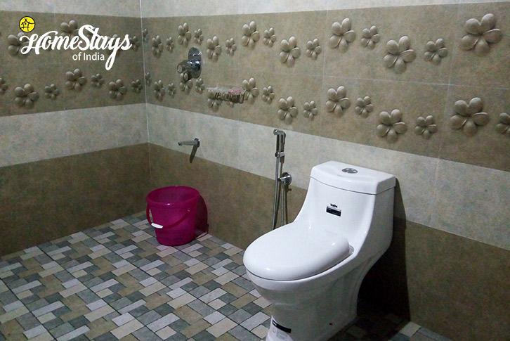 Bathroom-Wayanad-Farmstay-Kerala