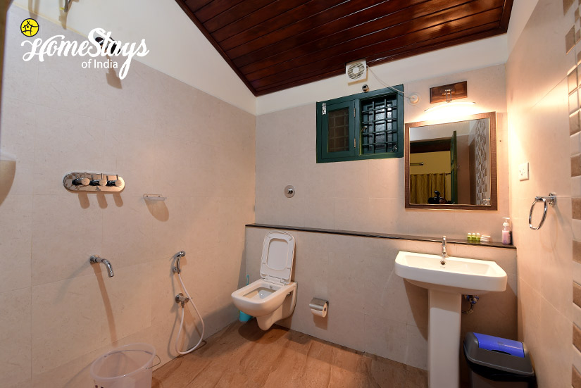 Bathroom_Mugathihalli-Homestay-Chikmagalure