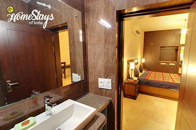 Bathroom_Tajganj-Homestay-Agra