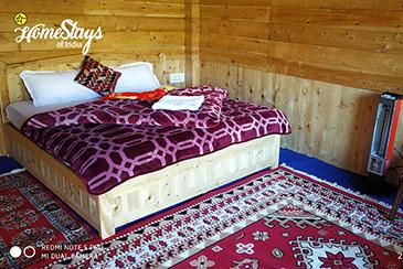 BedRoom_Bandal Homestay-Tirthan