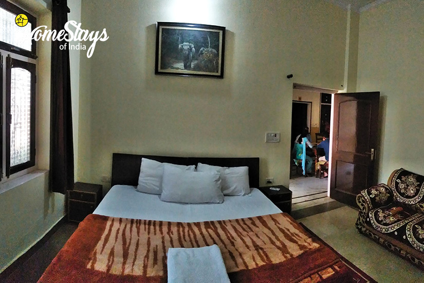 Bedroom-01_Ramnagar-Homestay-Corbett