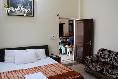 Bedroom-1_Ramnagar-Homestay-Corbett