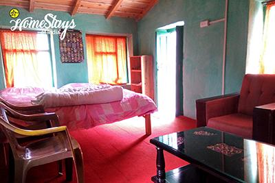 Bedroom-2_Dalar-Homestay_Binsar