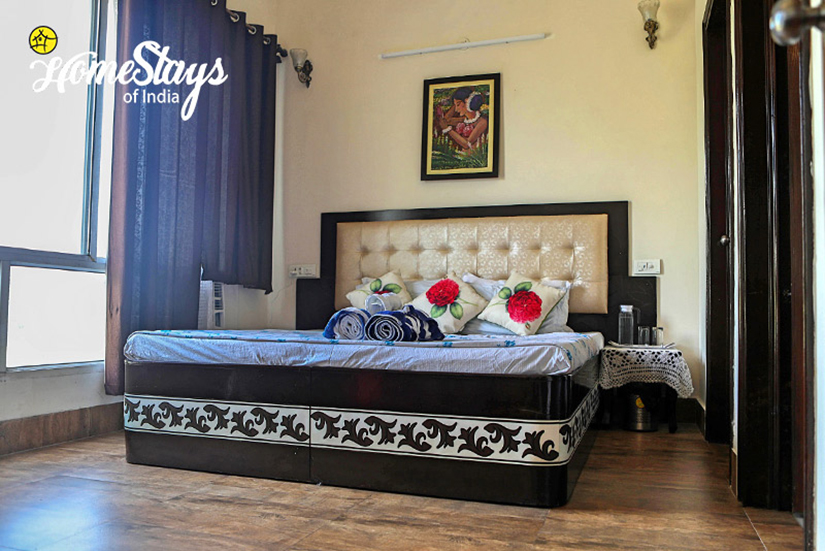 Bedroom-3_Dream-City-Homestay-Amritsar