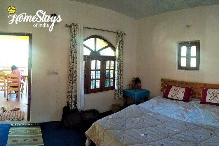 Bedroom-4_Sunkiya-Homestay-Mukteshwar