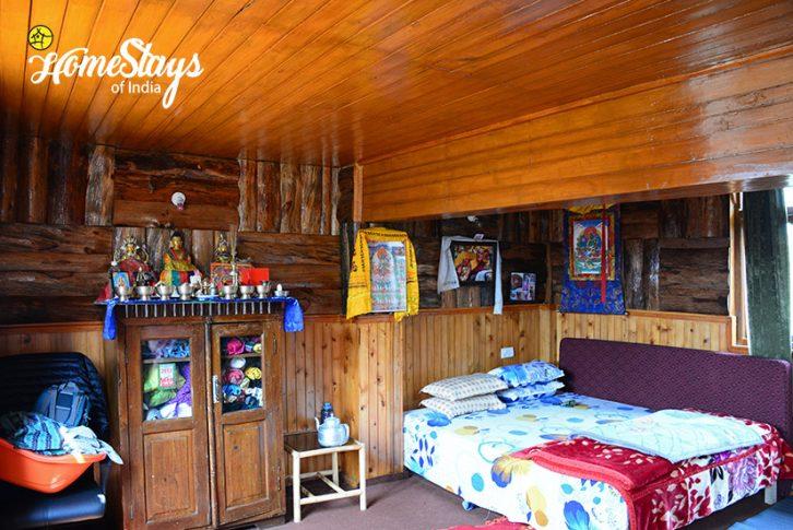 Bedroom1_Khecheopalri-Homestay-Sikkim