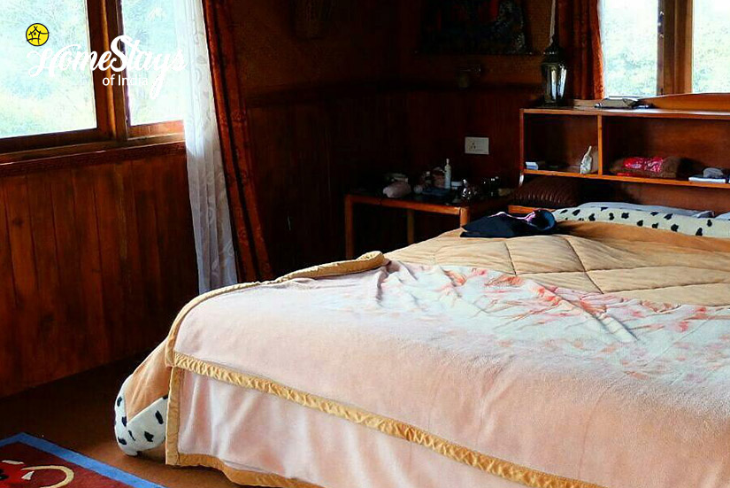 Bedroom3_Khecheopalri-Homestay-Sikkim