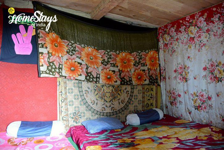 Bedroom_Malana-Homestay