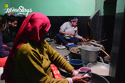 Cooking_Khuri-Homestay-Jaisalmer