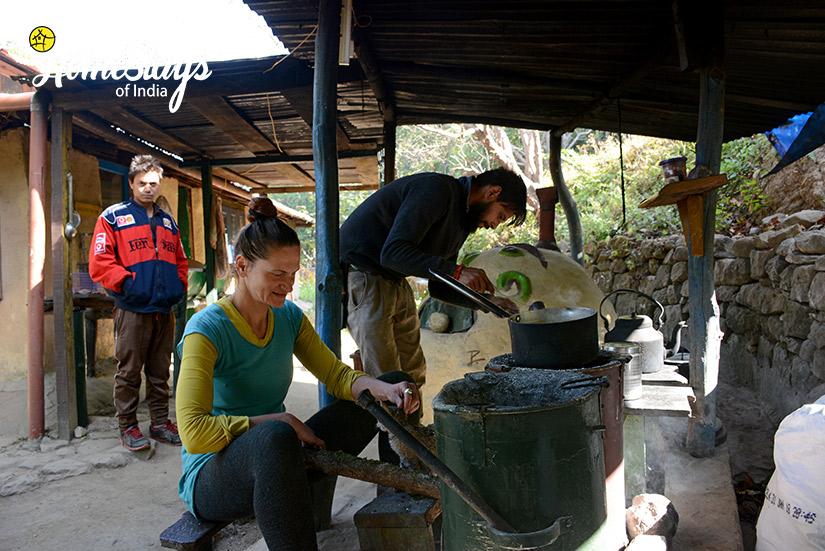 Cooking_Raila Homestay-Nainital