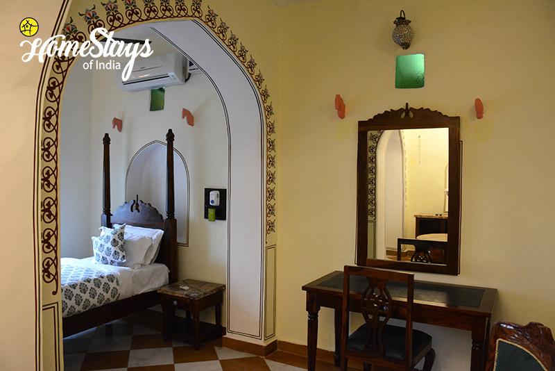 Deluxe-Room_Lotwara-Heritage-Homestay