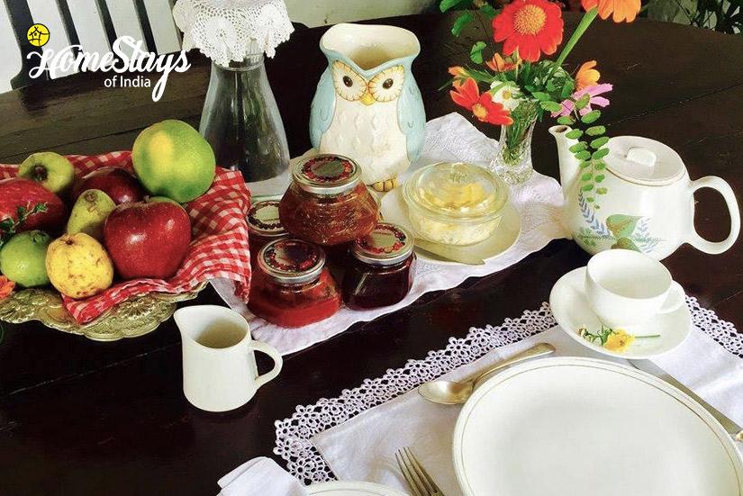 Dinning1-Bhimtal Heritage Homestay