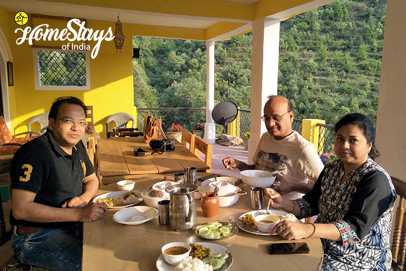 Dinning_Mukteshwar-Homestay