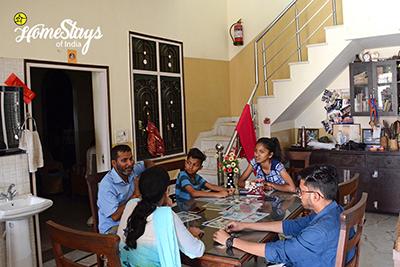 Dinning_Ramnagar-Homestay-Corbett