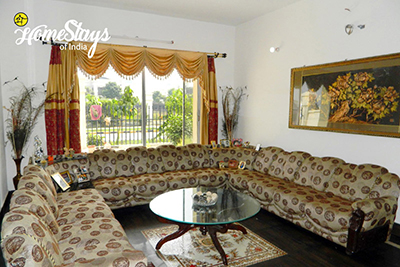 Drawing-Room_Dream-City-Homestay-Amritsar
