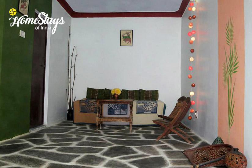 Drawing-Room_Gopeshwar Homestay