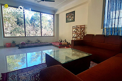 Drawing-Room_Satobari-Homestay-Mcleodganj