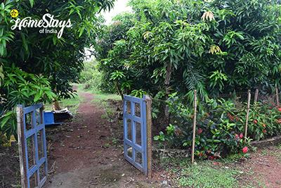 Entrance_Hazra Bagan Homestay
