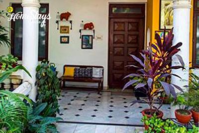 Entrance_Indore-Homestay-Madhya-Pradesh