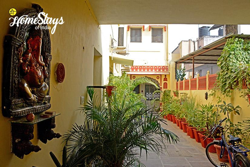 Entrance_Moti Dungri Homestay-Jaipur