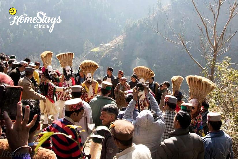 Fagli Festival-4-Ropajani-Homestay-Tirthan
