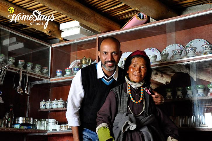 Grandma-Spangmik Homestay-Ladakh