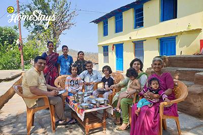 Happy-Guest2_Dalar-Homestay_Binsar