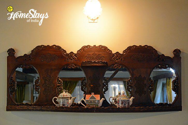 Interior2_Srinagar-Homestay-Kashmir