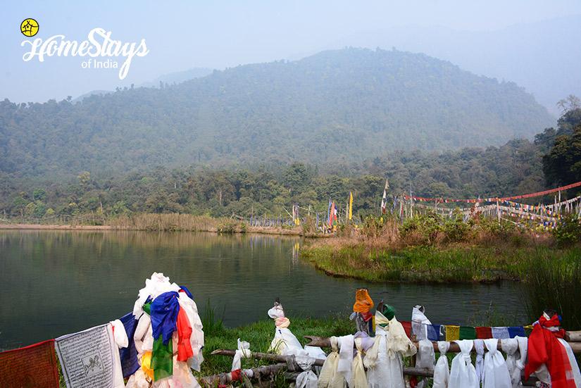 Khecheopalri-Lake_Khecheopalri-Homestay-Sikkim