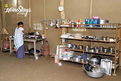 Kitchen_Jaramukhuria-Homestay, Chandubi